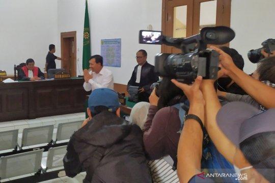 Iwa Karniwa divonis 4 tahun penjara karena suap Meikarta