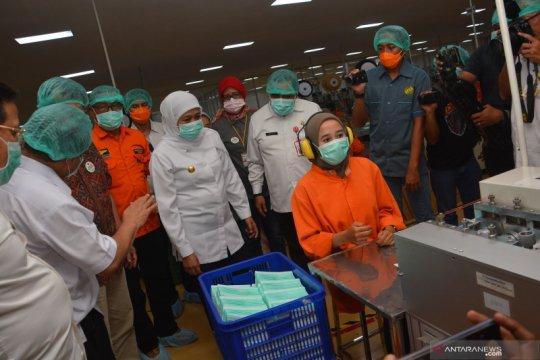 Gubernur Jatim sidak pabrik masker