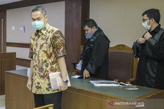 Mantan Dirkeu AP II Andra Agussalam dituntut 5 tahun penjara