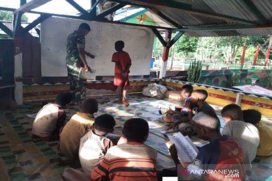 Potret kiprah TNI bangkitkan semangat belajar anak Merauke