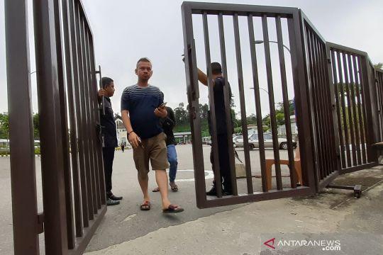 Malaysia tutup perbatasan Tebedu