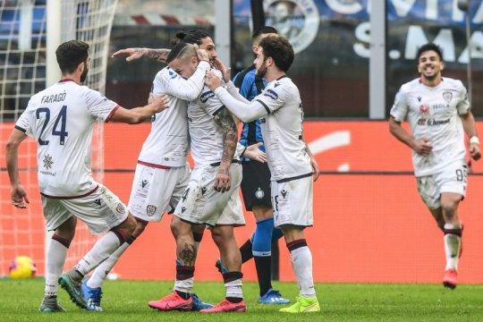Pemain Cagliari relakan gaji sebulan untuk hindari PHK tim
