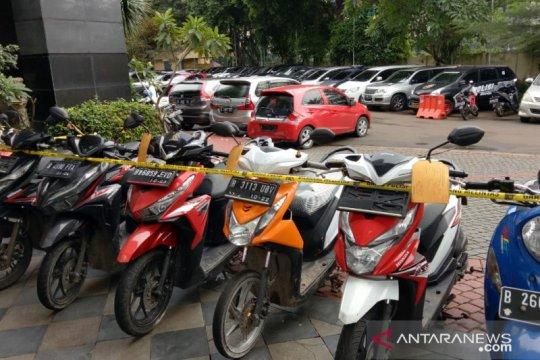 Polda Metro Jaya tangkap pencuri dan penadah motor