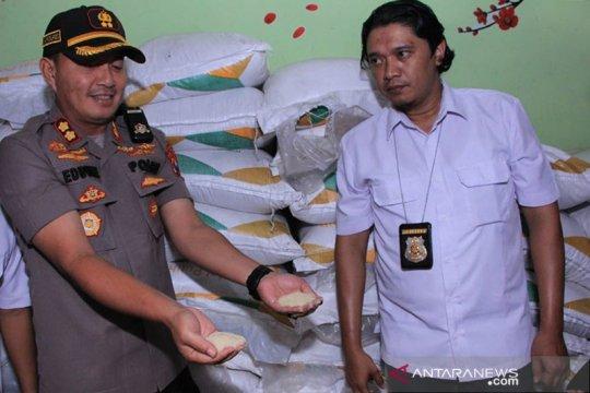 Polres Madiun amankan 4.350 kilogram gula pasir diduga penimbunan