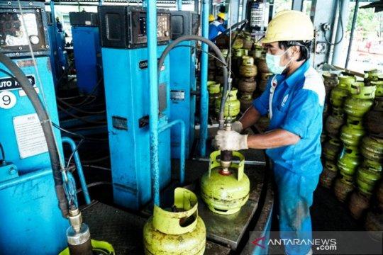 Persediaan BBM dan LPG di wilayah Kalimantan cukup untuk 14 hari