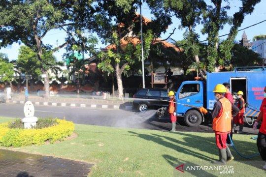 Belasan titik disemprot disinfektan oleh Satgas COVID-19 Badung-Bali