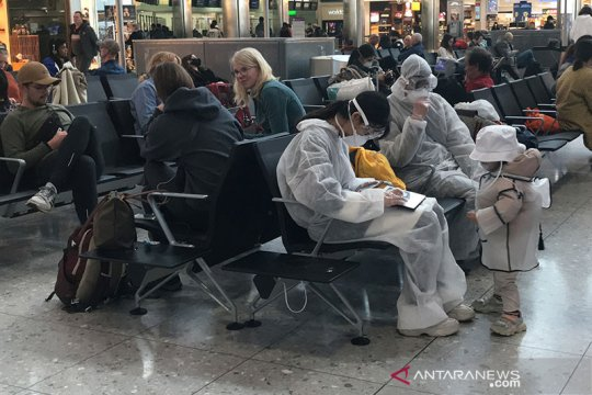 Inggris: wisatawan harus tunjukkan hasil tes negatif COVID-19