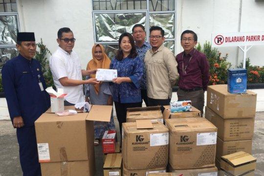 Komunitas Singapura di Batam sumbang APD COVID-19