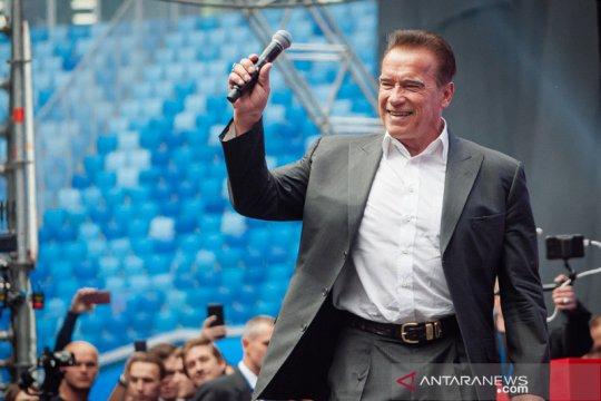 Arnold Schwarzenegger selesai jalani operasi jantung