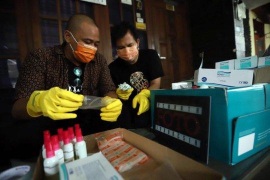 Pewarta Foto bagikan 1.000 masker di Jakarta