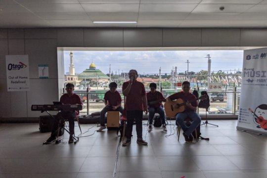 Stasiun MRT: musik, jajan hingga nongkrong
