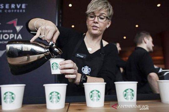 Pengintip pengunjung Starbucks, diamankan polisi