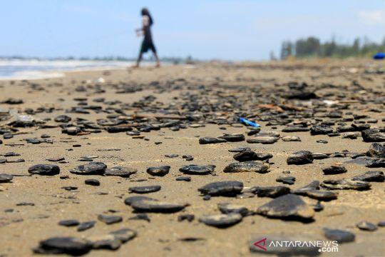 Limbah batu bara cemari pantai Aceh Barat