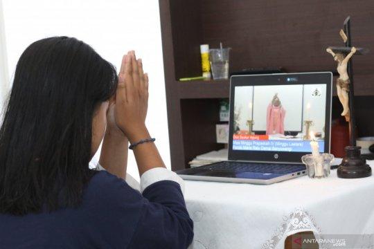 Misa di rumah via streaming