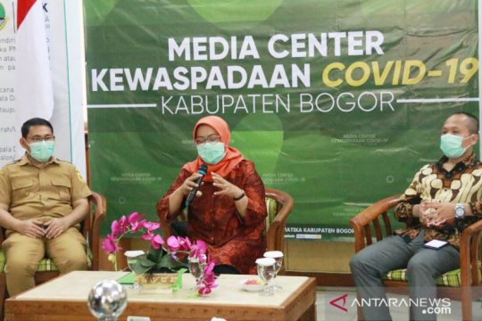 """Bupati Bogor tolak """"rapid test"""" di Stadion Pakansari"""