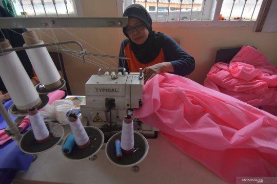 Produksi APD dalam negeri terus digenjot Pemerintah Jokowi-Ma
