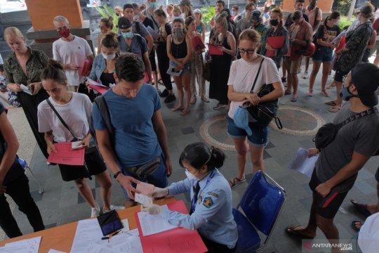 Imigrasi mulai buka layanan keimigrasian untuk WNA