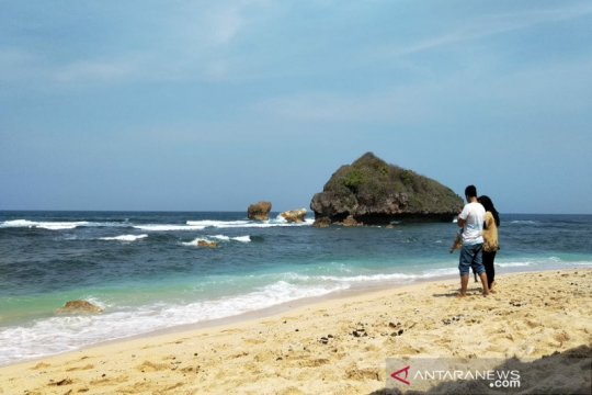 Pemkab Gunung Kidul tutup seluruh objek wisata pantai