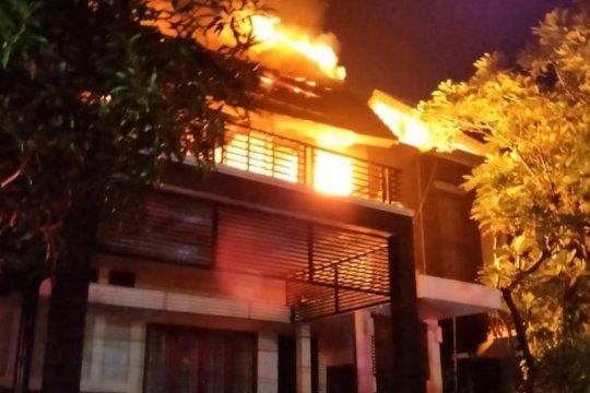 Kebakaran rumah dan warung makan di Jaktim Selasa pagi