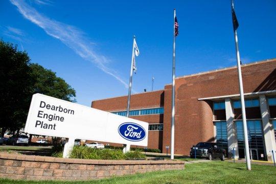 Pembukaan kembali pabrik Ford AS tergantung serikat pekerja