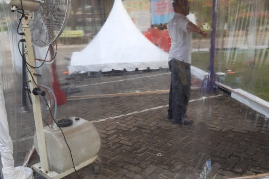 Polres Singkawang buat bilik disinfektan antisipasi COVID-19