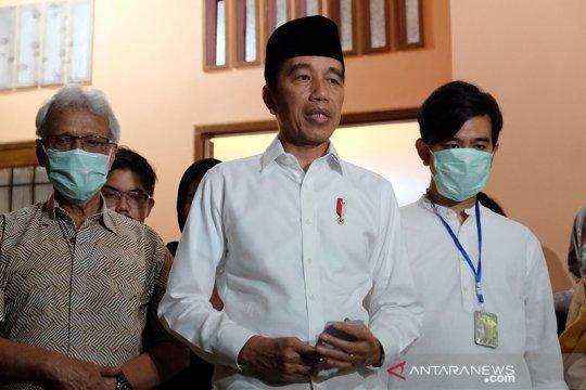 Ibunda Jokowi meninggal karena kanker