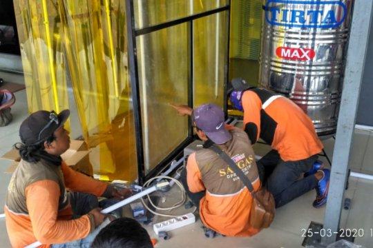 Pemkot Surabaya buat 10-20 unit bilik sterilisasi setiap harinya