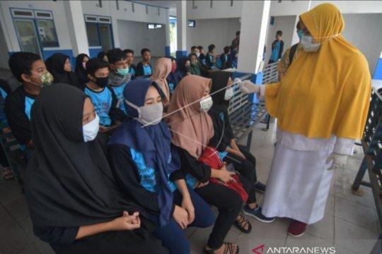 Gubernur Sulawesi Tengah umumkan satu warga Kota Palu positif COVID-19