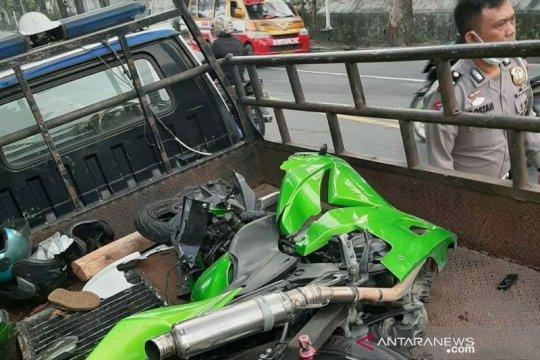 Pengendara motor tewas tabrakan dengan truk trailer di Simalungun