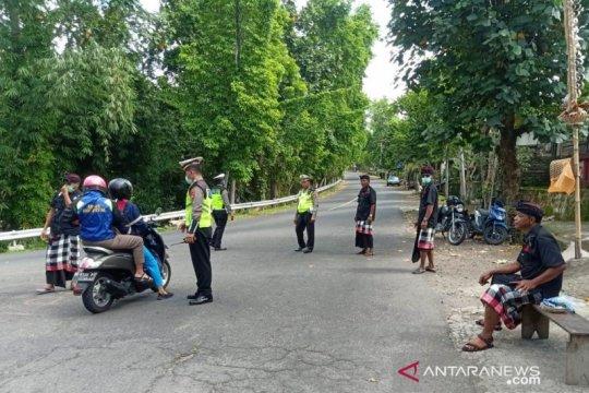 Polres Bangli  amankan jalan keluar masuk kabupaten
