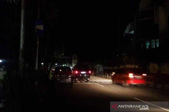 Temanggung padamkan lampu jalan cegah kerumunan malam hari