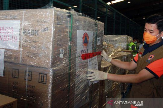Bantuan alkes dari China tiba di Jakarta
