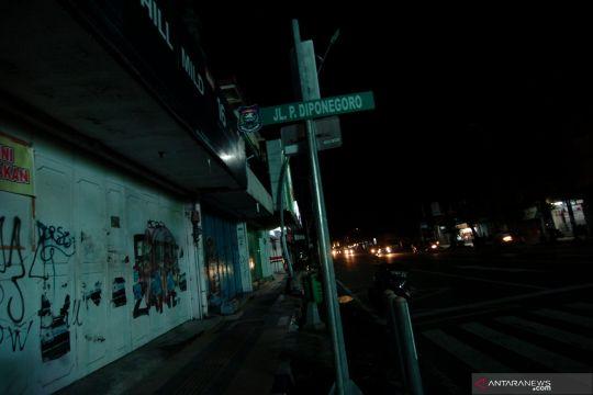 Pemadaman seluruh lampu jalan dan alun alun di Kota Tegal
