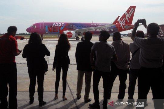 Air Asia operasikan rute domestik secara terbatas bulan depan