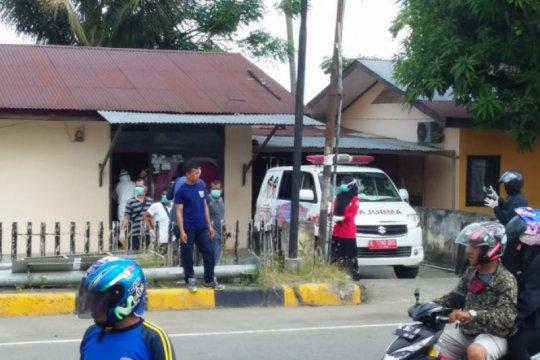 Seorang pejabat Kejari Mamuju dievakuasi ke RSUD Regional Sulbar