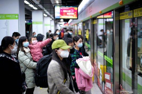 Kereta bawah tanah kota Wuhan kembali beroperasi