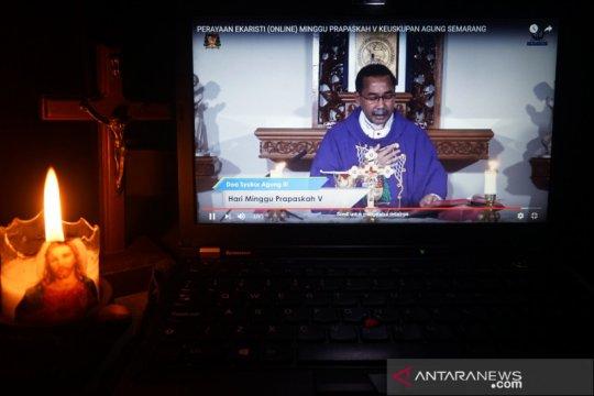 Perayaan Ekaristi secara online
