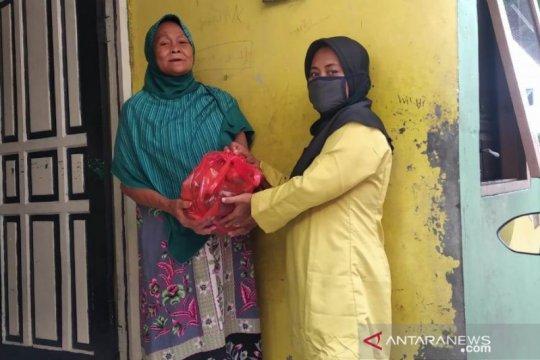 PKK-RPTRA Jakarta Utara bagikan paket sembako