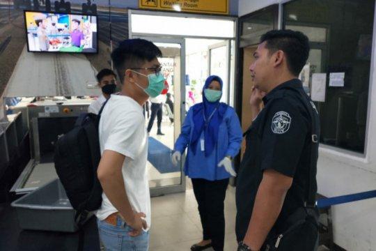 Polres-Imigrasi Ketapang pulangkan TKA China cegah penyebaran COVID-19