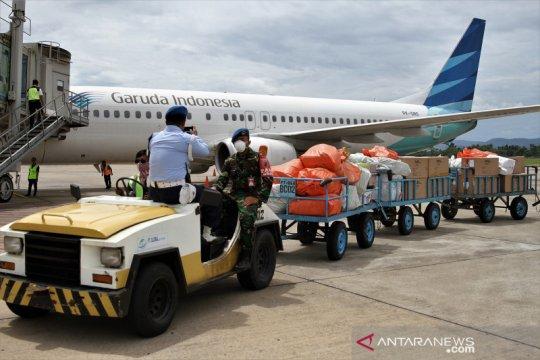 1800 APD tiba di Kendari untuk didistribusikan ke RS rujukan COVID-19