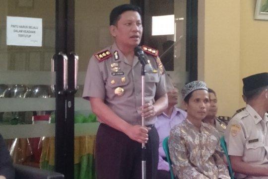 Polres Ogan Komering Ulu bubarkan kumpulan warga