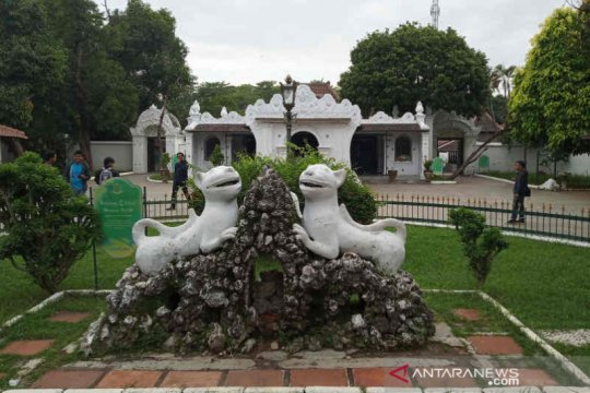 Wisata Keraton Kasepuhan Cirebon ditutup cegah penyebaran COVID-19