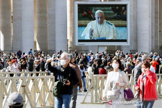 Vatikan umumkan hasil tes, Paus dan ajudan tidak terpapar corona