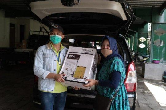 LPMK se-Surabaya dibekali satu paket  penyemprot disinfektan dan APD
