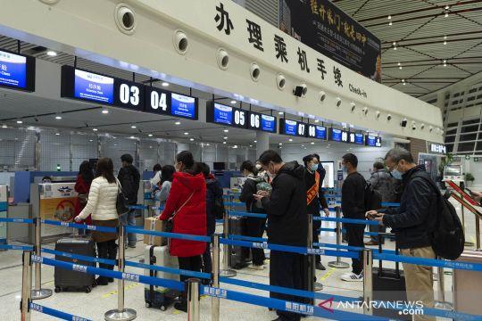Penerbangan domestik di Hubei China beroperasi kembali