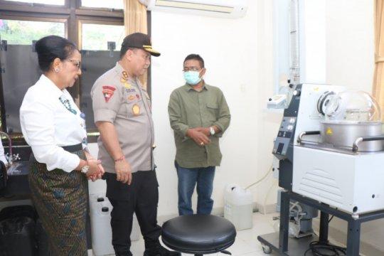 Polda Bali-Unud siapkan disinfektan dan hand sanitizer dari arak Bali