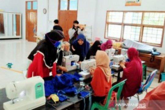BLK Makassar produksi ribuan masker bantu penanggulangan COVID-19