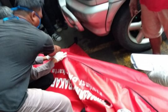 Petugas perbaikan AC tewas tersetrum di Pulogadung