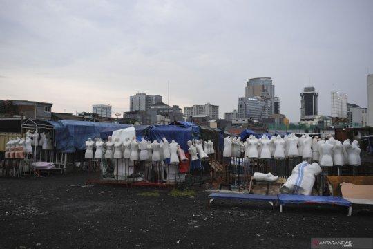 Penutupan pasar di Jakarta