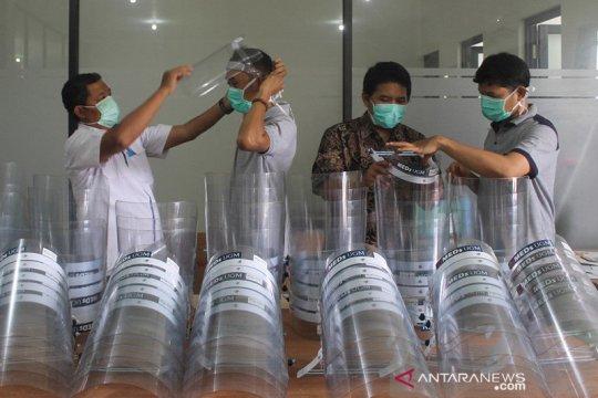 UMK buat pelindung wajah corona untuk dibagikan ke tenaga medis